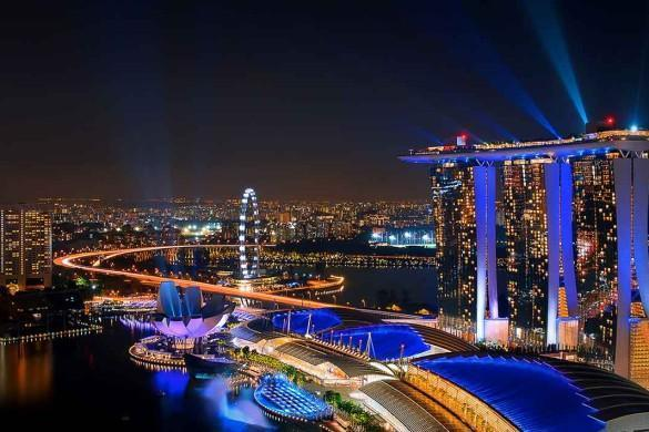 Image of Marina Bay Sands curtesy of www.thousandwonders.net